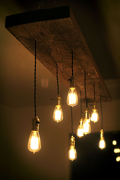 diy reclaimed lumber hanging edison bulb chandelier. Black Bedroom Furniture Sets. Home Design Ideas